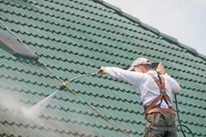 Nettoyage et démoussage de votre toiture
