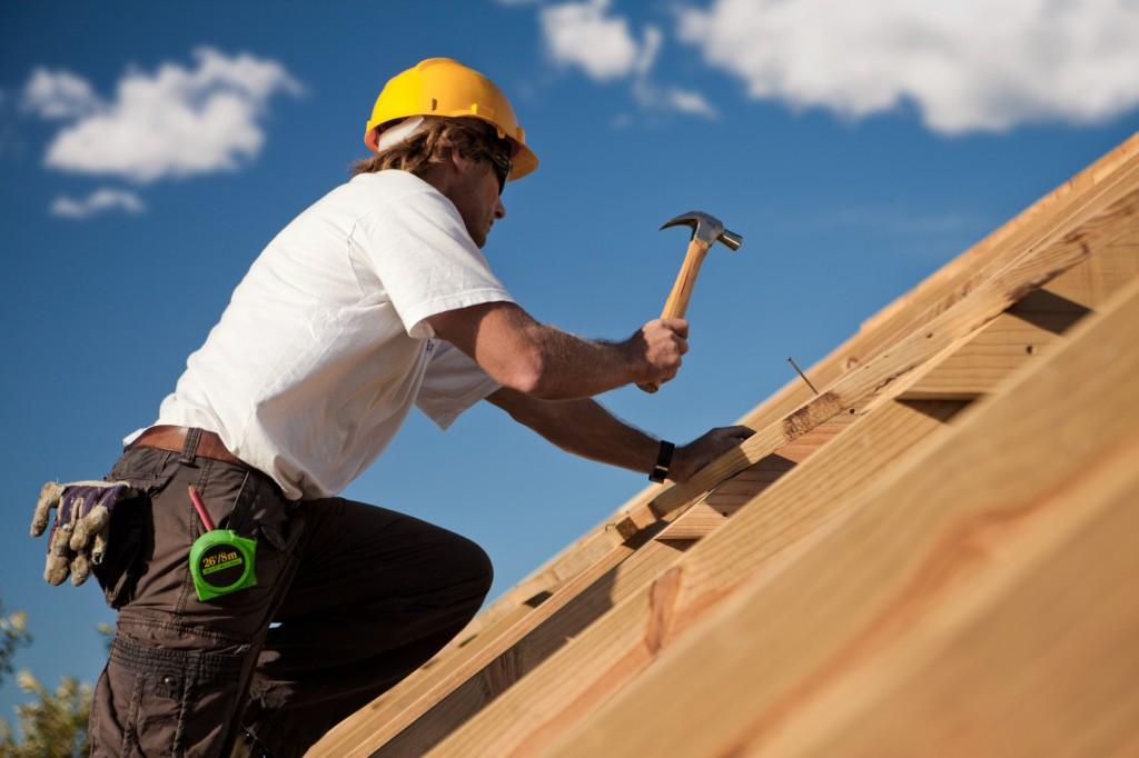 Comment trouver un bon artisan pour vos travaux de toiture