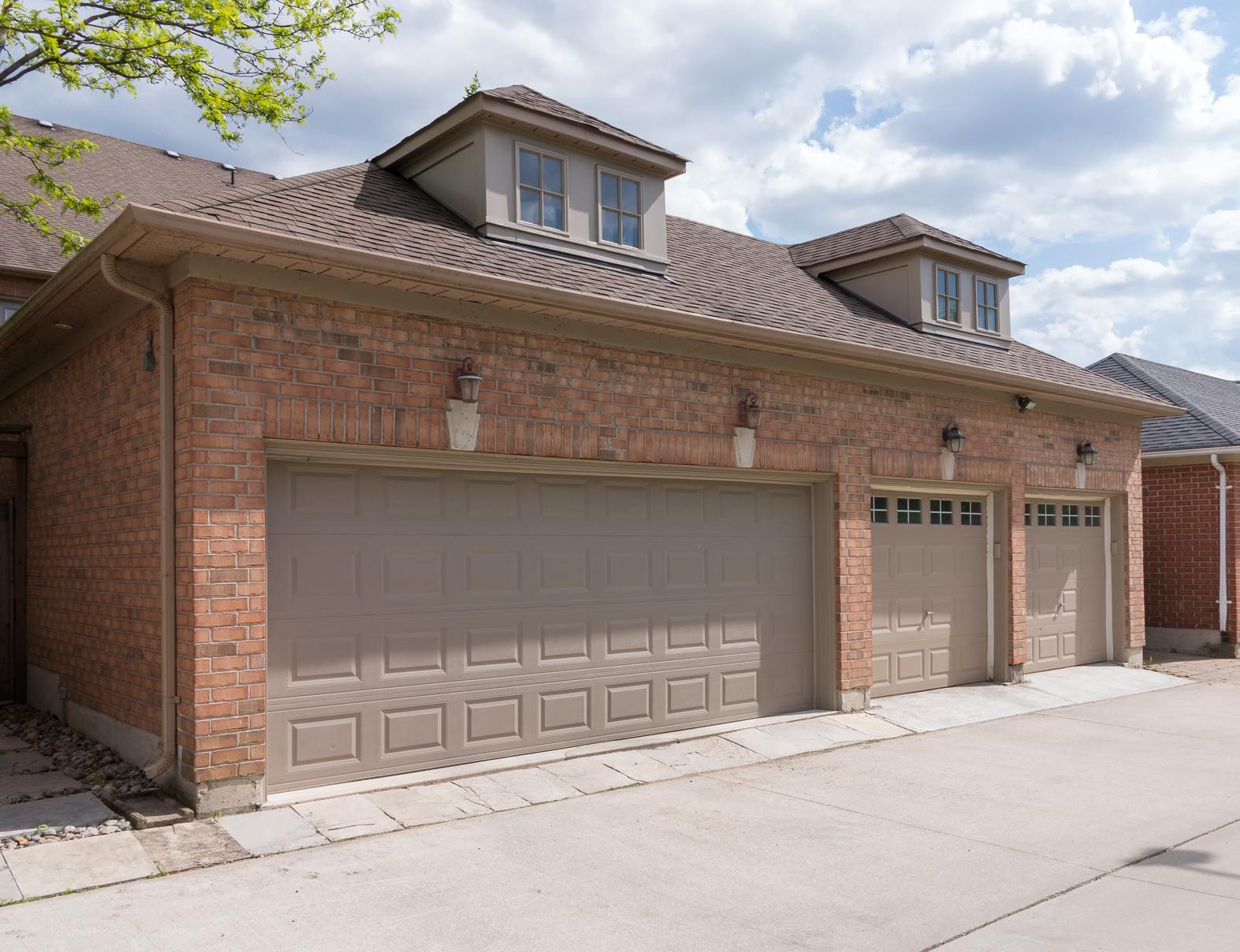 Le choix d 39 une toiture de garage for Reparation porte garage