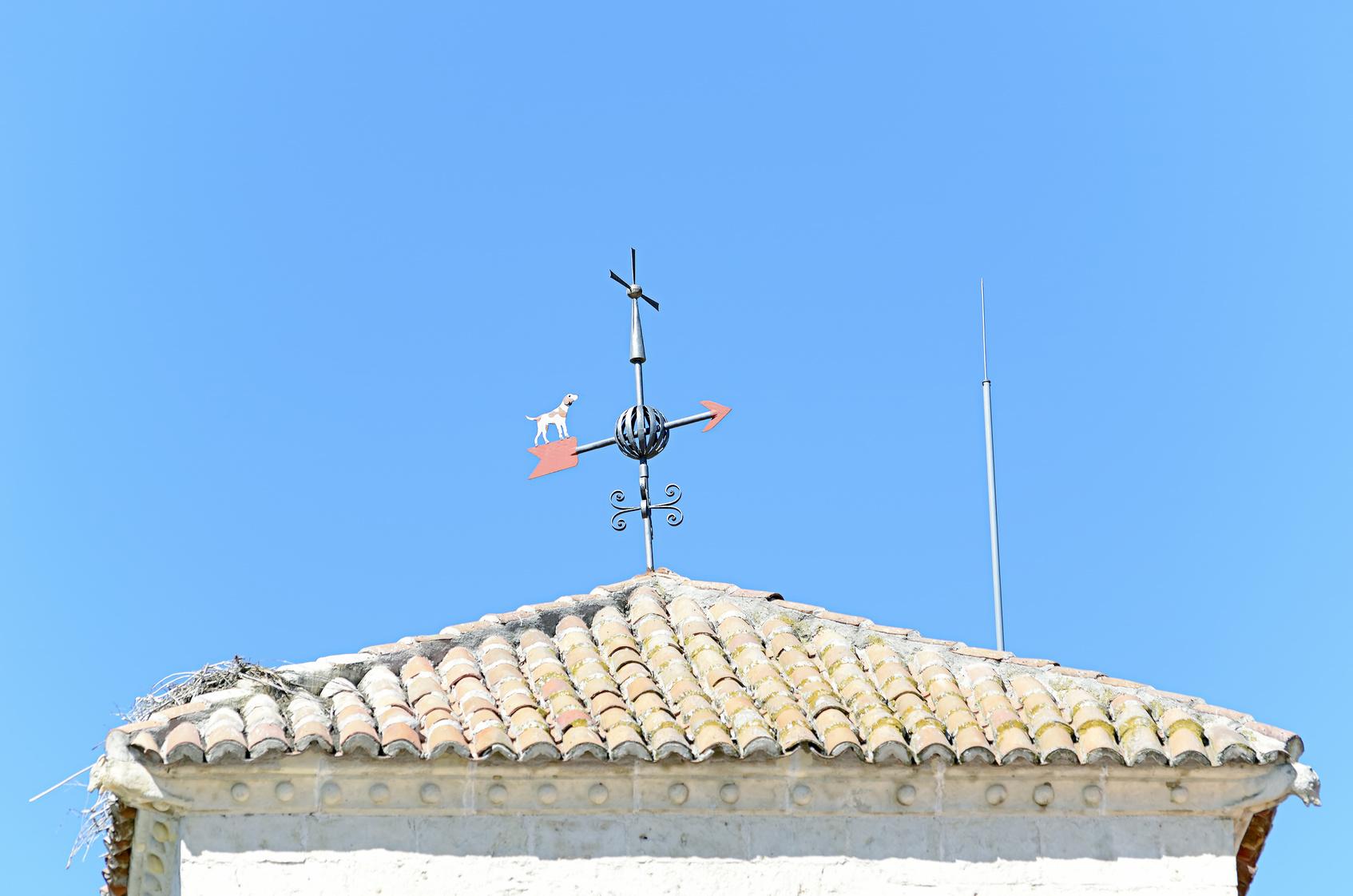 Pose paratonnerre toit maison.