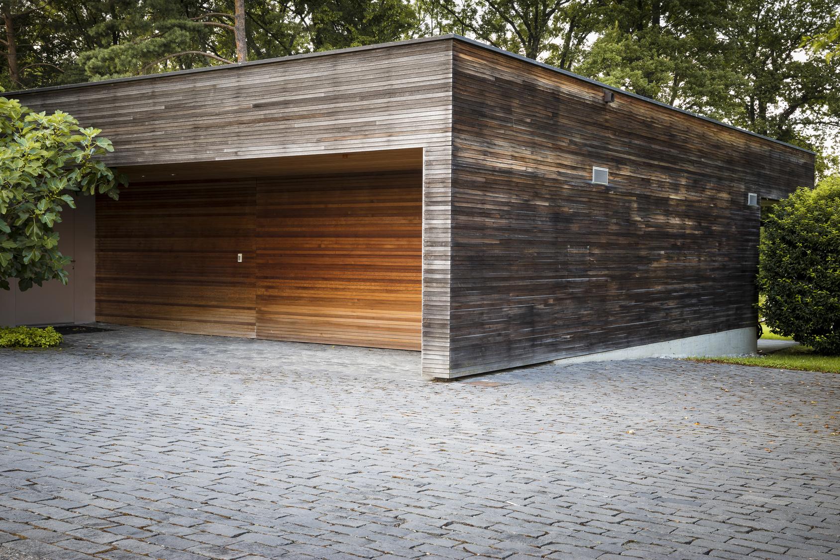 Int r t et prix d un garage en bois toit plat for Constructeur maison en bois toit plat