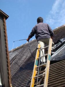 Tarif de démoussage d'une toiture