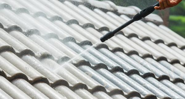 Coût de nettoyage d'une toiture