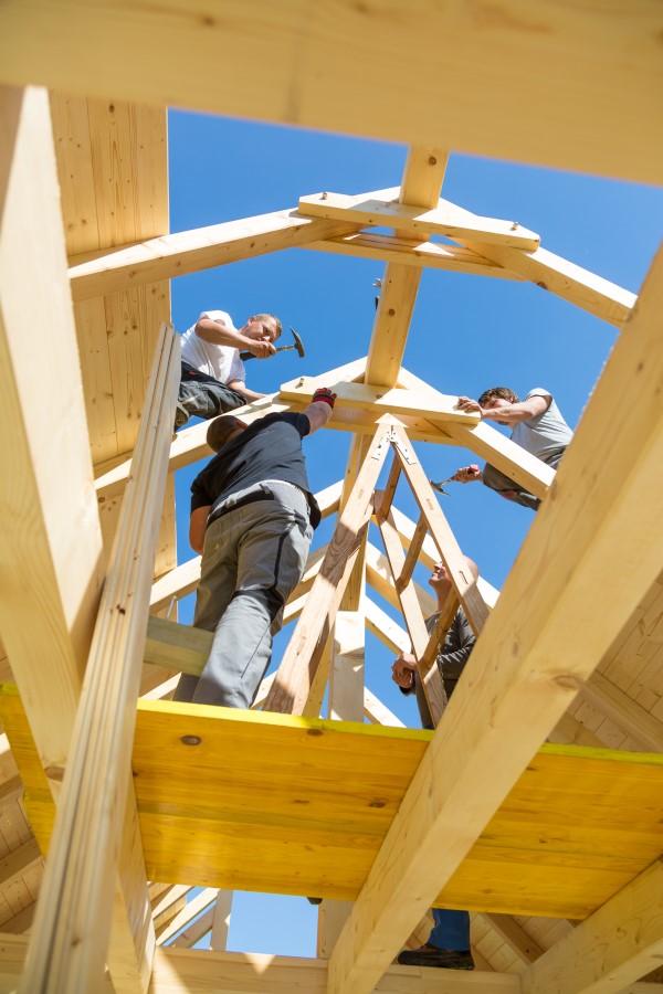 Construction d'une charpente en bois