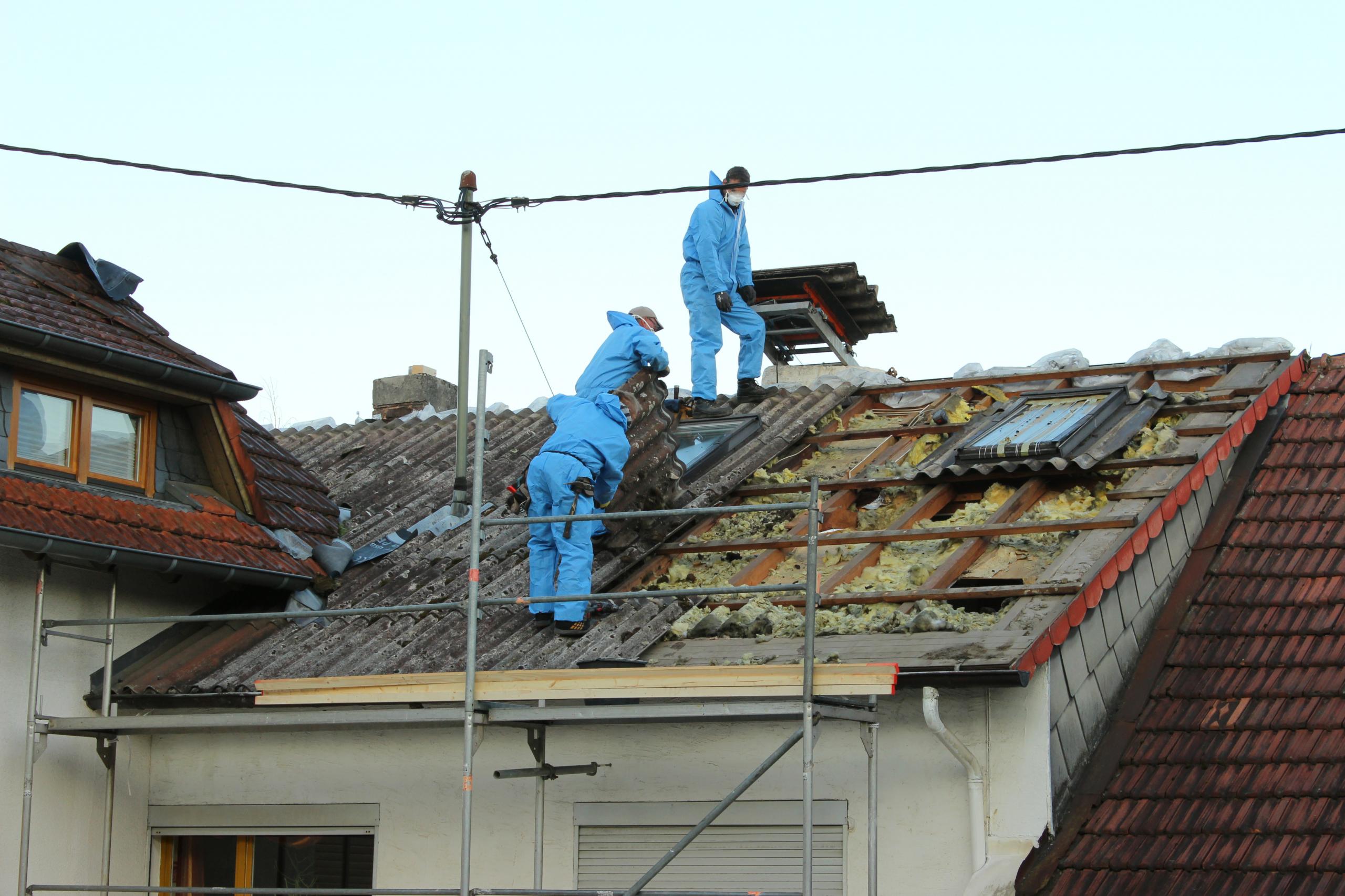 démontage d'une toiture - conseils et devis en rénovation de toiture