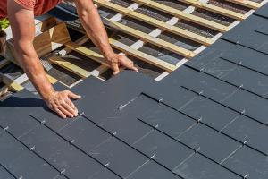 Travaux de toiture sans tomber